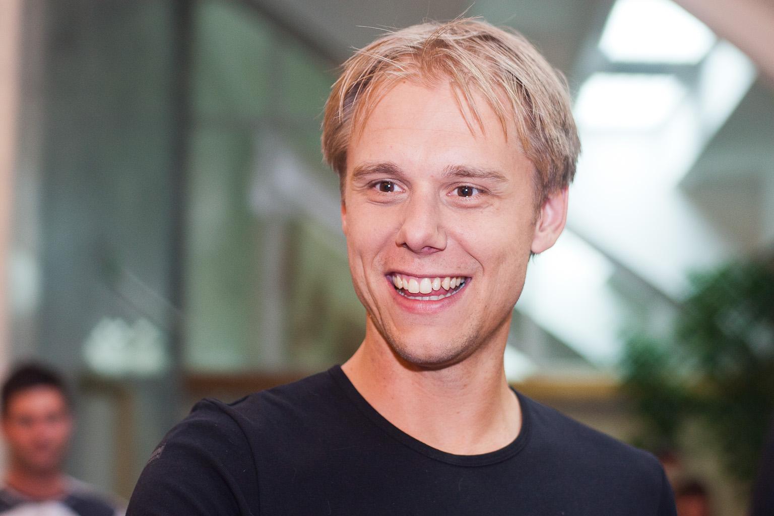 Armin van Buuren - mp3 скачать бесплатно | Скачать