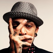 Фотография Travie McCoy 15 из 22